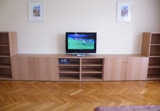 http://hotellooking.com/?page=hotel&id=apartment_buda_central_budapest