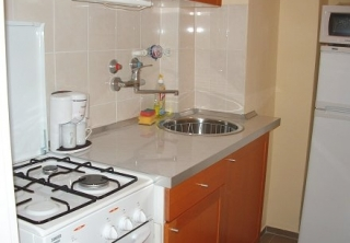 http://hotellooking.com/?lang=en&page=hotel&id=apartment_buda_central_budapest