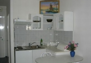 http://hotellooking.com/?page=hotel&id=apartments_leslie_budapest
