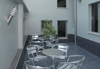 http://hotellooking.com/?lang=bg&page=hotel&id=bissnes_hotel_plovdiv