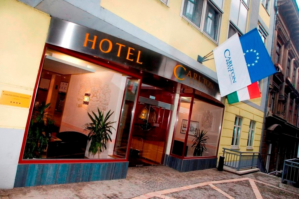 http://hotellooking.com/?lang=de&page=hotel&id=carlton_hotel_budapest
