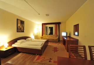 http://hotellooking.com/?lang=ru&page=hotel&id=casa_sol_hotel____