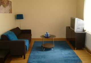 http://hotellooking.com/?lang=bg&page=hotel&id=central_passage_apartments