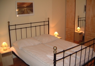 http://hotellooking.com/?page=hotel&id=elite_apartments_budapest