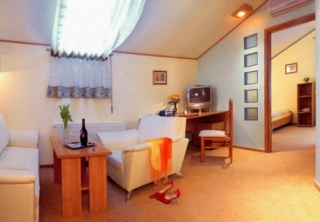 http://hotellooking.com/?lang=en&page=hotel&id=eney_hotel