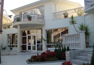 http://hotellooking.com/?page=hotel&id=family_clubhotel