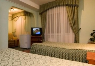 http://hotellooking.com/?lang=en&page=hotel&id=golosiyvsky
