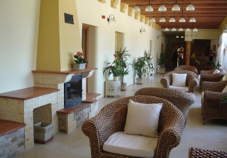http://hotellooking.com/?page=hotel&id=hotel-platan_____