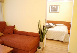 http://hotellooking.com/?page=hotel&id=hotel_breza