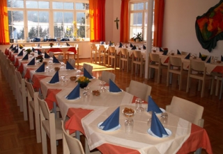 http://hotellooking.com/?lang=hu&page=hotel&id=hotel_haus_franziskus