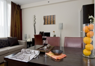 http://hotellooking.com/?page=hotel&id=hotel_regnum_residence____