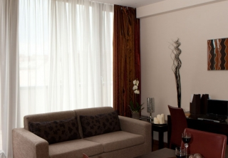 http://hotellooking.com/?lang=en&page=hotel&id=hotel_regnum_residence____