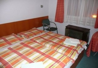 http://hotellooking.com/?page=hotel&id=hotel_touring