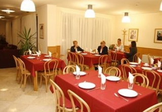 http://hotellooking.com/?lang=bg&page=hotel&id=jagelli_business_hotel