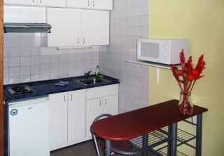 http://hotellooking.com/?lang=de&page=hotel&id=judit_apartment_house