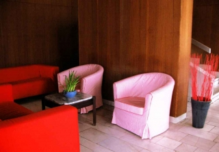 http://hotellooking.com/?lang=bg&page=hotel&id=judit_apartment_house