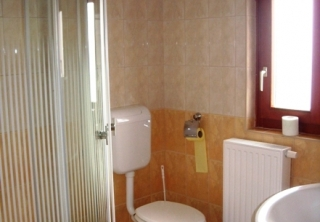 http://hotellooking.com/?lang=en&page=hotel&id=malom_hotel___
