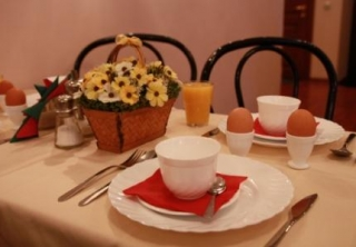 http://hotellooking.com/?page=hotel&id=nevsky_contour