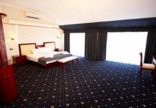 http://hotellooking.com/?page=hotel&id=old_vienne