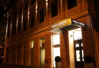 http://hotellooking.com/?lang=bg&page=hotel&id=opera_garden_hotel___apartments