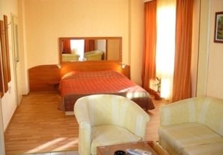 http://hotellooking.com/?page=hotel&id=palitra