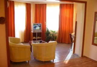 http://hotellooking.com/?lang=hu&page=hotel&id=palitra