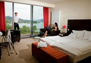 http://hotellooking.com/?page=hotel&id=parkhotel_p
