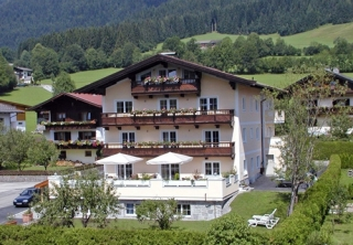 http://hotellooking.com/?lang=ru&page=hotel&id=residenz_theresa