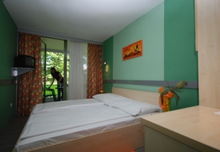 http://hotellooking.com/?lang=bg&page=hotel&id=v