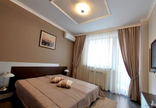http://hotellooking.com/?page=hotel&id=venice