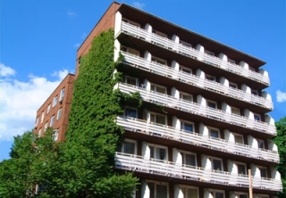 http://hotellooking.com/?page=hotel&id=victor_apartment_hotel